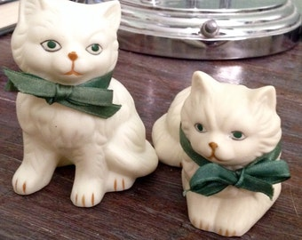 2pc White Persian Kittens with Green Bow