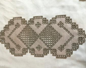 Mustroom linen hardanger