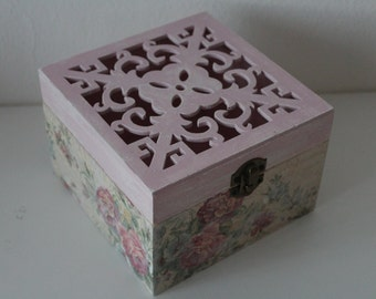Wooden box. Wood.