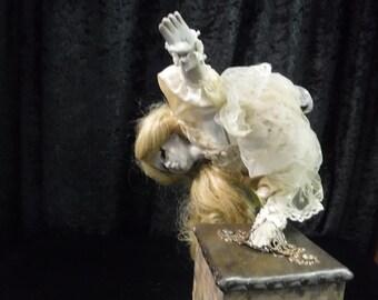 Circus Freakshow: Undead Gabrielle