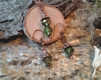 Jewelry set in moss green and copper - necklace + pendant + earrings made of resin (33) - resin