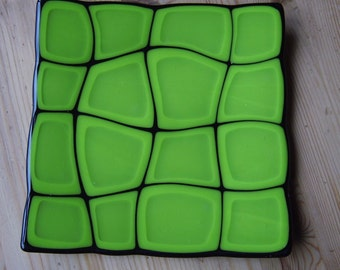 Retro Warp lime green and black fused dish