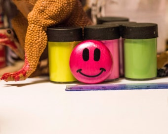 Handmade Smiley Face Magnet 1 1/2 in.