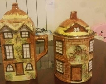 Vintage Cottage Teapot and Cookie jar