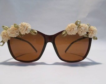 Embellished Sunglasses (Brown frames with cream ruffle flowers)