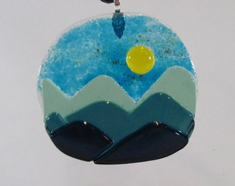 "Blue Mountains Glass 3.5"" Suncatcher"