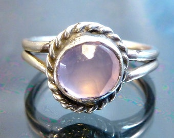 Purple Pink Chalcedony Rose Cut faceted Ring Sterling Silver girls or pinky size 4 vintage flower periwinkle blue