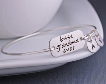 Grandma Jewelry, Silver Best Grandma Ever Bracelet, Christmas Gift for Grandmother, Custom Engraved Bangle Bracelet