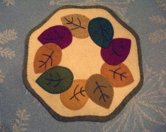 Wool fall leaves table mat