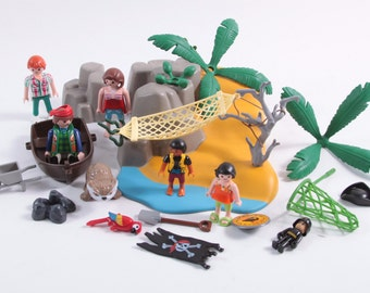 Playmobil Vintage Treasure Island Playset - Pirates and Other Pieces