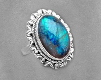 Sterling Silver Ring of Luminous Labradorite Size 9