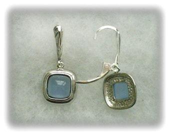 Blue Chalcedony Gemstones in 925 Sterling Silver Dangles on 925 Sterling Silver Leverback Earrings