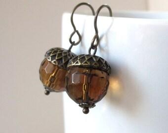 Fall Acorn Earrings, Autumn Color Jewelry, Antiqued Brass Earrings, Autumn Acorn Jewelry, Glass Bead Earrings, Brown Earrings, Acorn Dangle