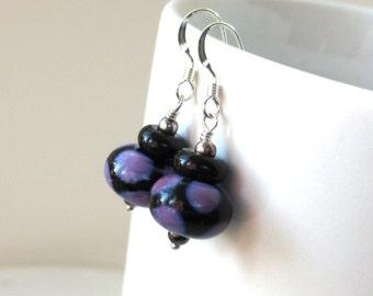 Purple Lampwork Earrings, Halloween Earrings, Black Lampwork Earrings, Halloween Art Glass Earrings, Glass Bead Earrings, Cute Spooky Dangle