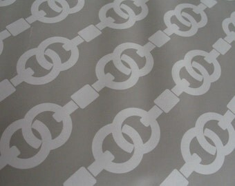 Grey & White Chain Link Hollywood Regency Style Pattern Contact Paper