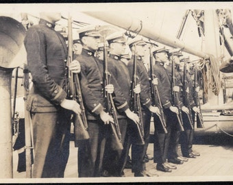 vintage photo 1918 Sailors Guns & Ship 2 lot Rural Valley PA Vintage Snapshot photo