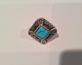 Vintage  Southwester style Sterling silver ring with turquoise