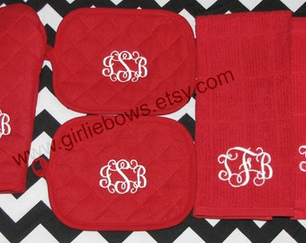 Custom Personalized Monogrammed Personalized Oven Mitt and Pot Holder and Kitchen Towel Set