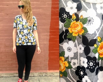 90's Wildflower Shirt / Daisy Shirt / Black and White / 1990s 1980s / Medium or Large / Yellow Rose / Polyester / Plus Size / Vintage