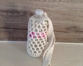 Bottle holder in ecru cotton yarn