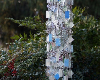 Paix mondiale One-Of-A-Kind, Glass Wind Chimes, Suncatcher, Glass Mobile