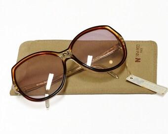 Vintage Nina Ricci sunglasses - model 77 - 80s French designer glasses in New Old Stock condition