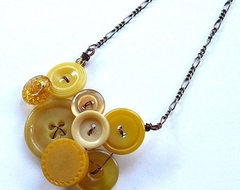 ON SALE Small Honey Gold and Mustard Yellow Vintage Button Necklace