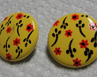 Round Floral Clip Earrings