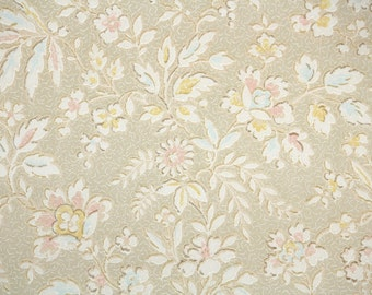 1920's Vintage Wallpaper - Antique Floral White Pale Pink and Yellow