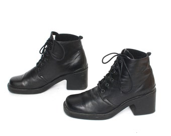 size 7.5 PLATFORM black leather 80s 90s COMBAT GOTH lace up witchy ankle boots