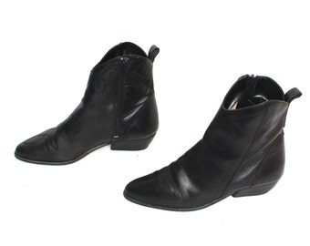 size 6 SOUTHWEST black leather 80s 90s CHELSEA MINIMAL zip up ankle booties