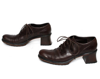 size 8 GRUNGE brown leather 80s 90s BROGUE PLATFORM high heel lace up ankle boots