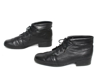 size 8.5 GRUNGE black leather 80s 90s COMBAT lace up ankle boots