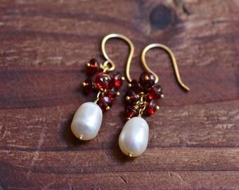 14kt Gold Pearl Earrings - Red Garnet Cluster Earrings - Freshwater Pearl Earrings - Dainty Gold Earrings - Minimalist Earrings