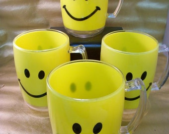 Set of 4 Vintage Happy Smiley Face Acrylic Mugs