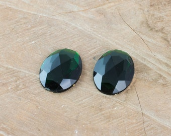 Faceted Emerald Green Acrylic Flat Back Cabochons 40x30mm cab787F