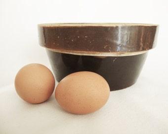 vintage primitive farm house bowl