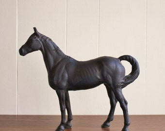 Large vintage hubley cast iron Racehorse doorstop, horse