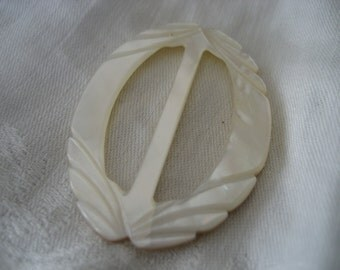 VINTAGE Oval Carved Iridescent Shell Belt Buckle