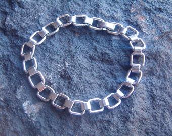 Bracelet, Chain Link Bracelet, Fashion Chain Link Bracelet, Silver Tone Bracelet, Silver Link Bracelet, 80s Bracelet