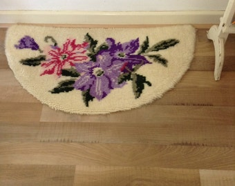 Vintage Textile Hook Rug floral Retro 1970's hand made hand sewn