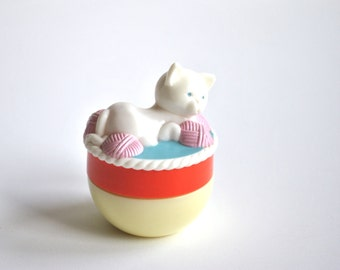 avon cream sachet jar kitten and yarn miss lollypop 1960s collectible containers perfume for girls little white kitty on lid