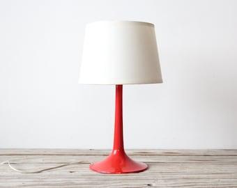 Mod Red Tulip Base Lamp