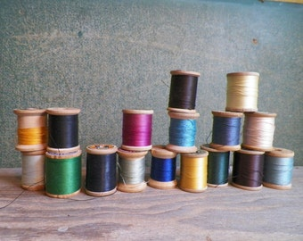 Vintage - Wooden Spools of Thread - Group of 17
