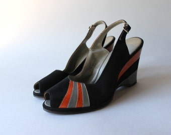 1950s Shoes / Vintage 50s Peep Toe Wedges / Unworn Jack Rogers Black Suede Wedgelings