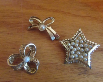 3 pearl brooches