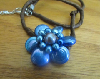 blue pearl flower necklace