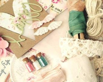 Shabby Chic Mini Embellishment Kit