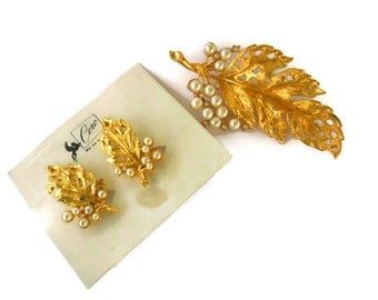 Vintage Coro Brooch and Earrings Set Leaves with Faux Pearl