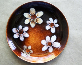 Vintage Enamel on Copper Trinket Dish, Bovano Metal Art, White Daisies, Daisy Design, Ring Holder, Hippie Boho Decor, Enameled Metal